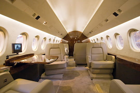 l 39 am nagement int rieur des falcon dassault falcon. Black Bedroom Furniture Sets. Home Design Ideas